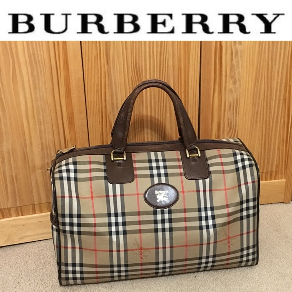 Burberry Handbags - Authentic vintage Burberry travel bag 2a4f519248375